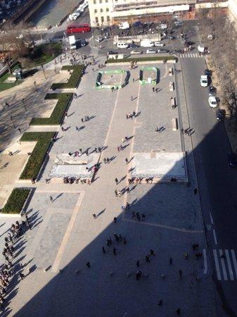 Tours de la Cathedrale Notre-Dame : Vista plaza desde Torres