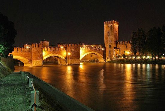 Verona, Italia: The Ponte Scaligero