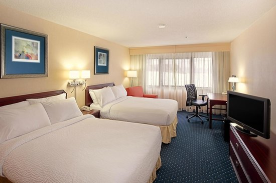 Quality Inn & Suites Valparaiso : Double/Double Guest Room