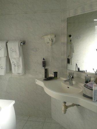 Hostellerie du Chapeau Rouge: le gel douche sent très bon