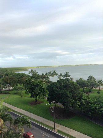 Holiday Inn Cairns Harbourside: View from oceanview room