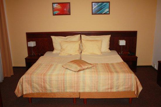 Petr: Огромная кровать