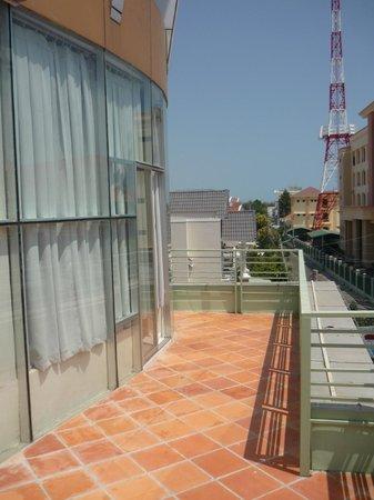 Saigon - PT Hotel: Балкон