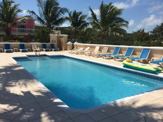 Aquamarine Beach Houses: Pool area