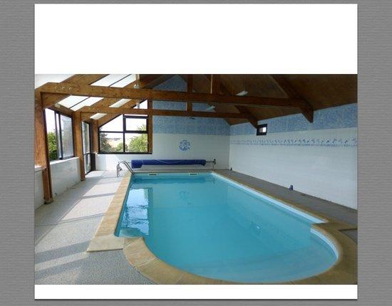 La Garenciere : Indoor heated swimming pool