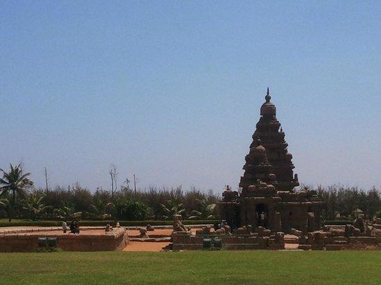 Chennai Magic - Day Tours: The Shore Temple at Mahabalipuram