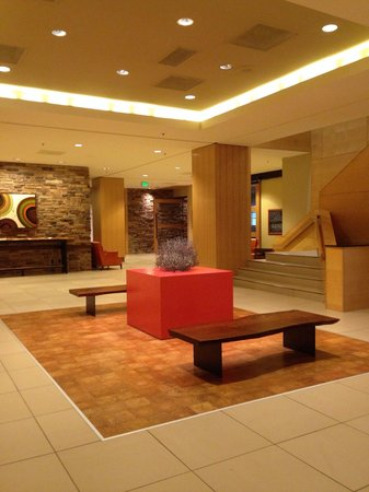 Radisson Hotel Salt Lake City Downtown: Modern and Welcoming !