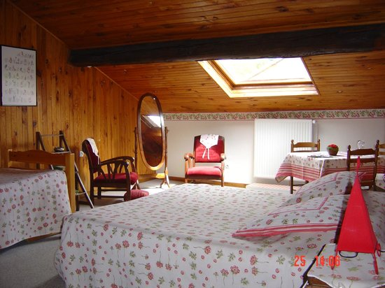 Maison d'Angeline : chambre violette