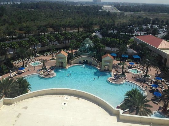 Parc Soleil by Hilton Grand Vacations: Our view of the pool....excellent!!