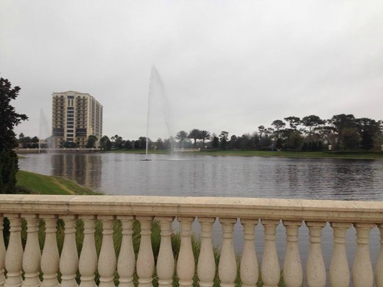 Parc Soleil by Hilton Grand Vacations: The 0.5 walking/jogging path from the far side looking back toward the resort.