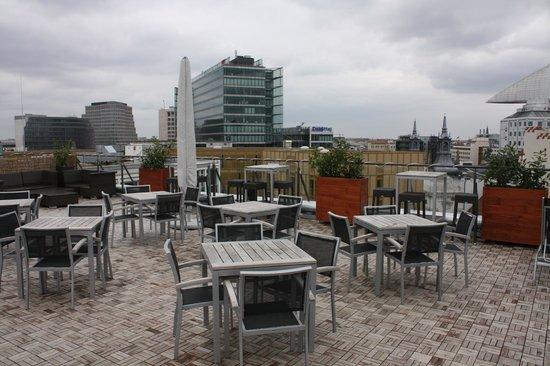 aletto Hotel Kudamm: Бар на крыше отеля