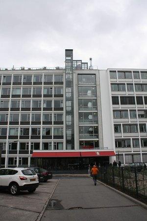 aletto Hotel Kudamm: Вид главного входа в отель