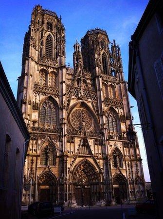 Cathedrale et cloitre Saint Etienne
