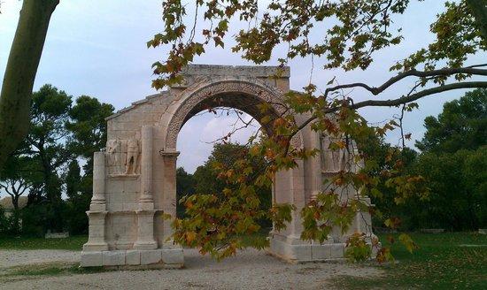 Site archéologique de Glanum : Арка