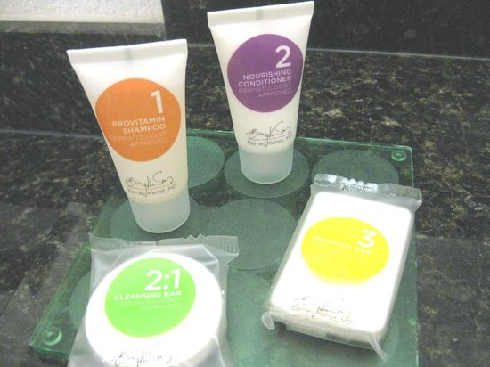 Hyatt Place Miami Airport-West/Doral: Barney Kenet Bath products