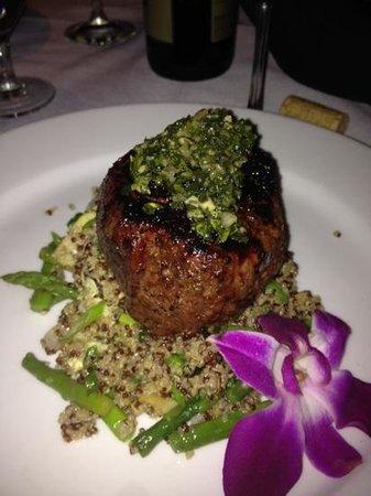 SeaVenture Restaurant: steak :)