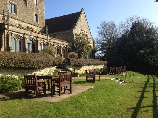 Nutfield Priory Hotel & Spa: Terrace area