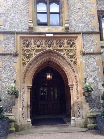 Nutfield Priory Hotel & Spa: Main entrance