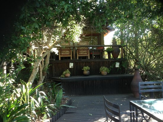 Waterbuck Game Lodge: Outdoor dining area