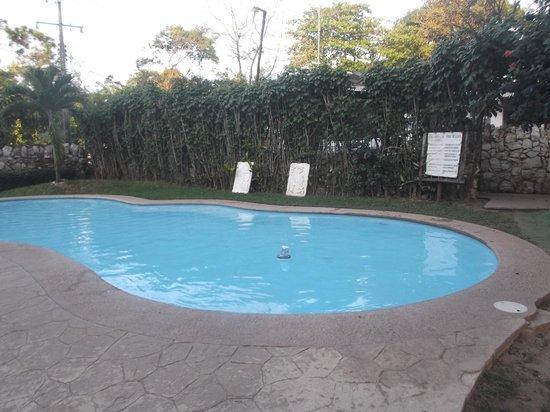 Hotel Canada Internacional : Espace piscine.
