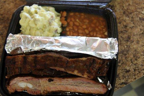 Deep South Smokehouse and Grill: ribalicious!!