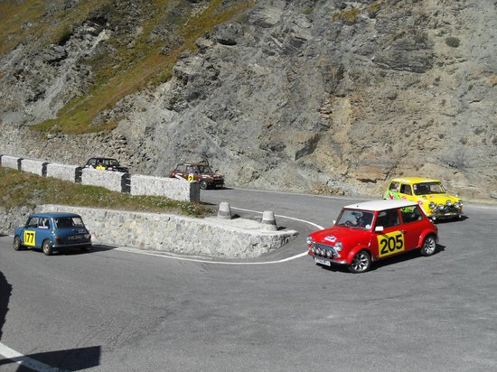 Stelvio Pass: petrolheads of every kind