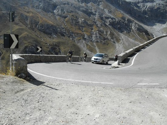Stelvio Pass: cycling it...must be crazy!