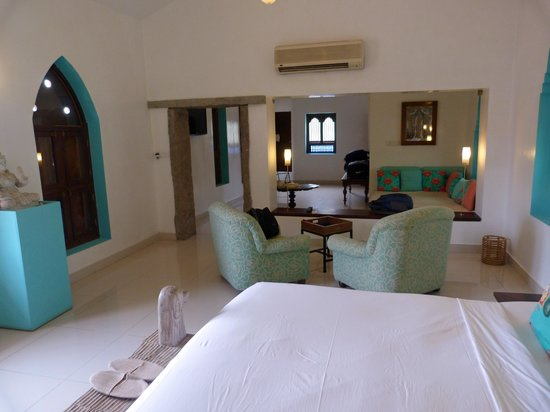 Purity at Lake Vembanad: Our suite