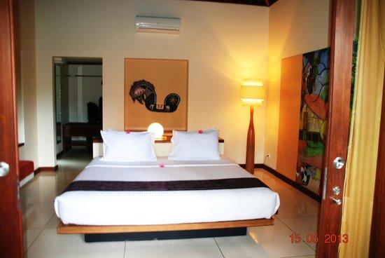 Qunci Villas Hotel : chambre à coucher