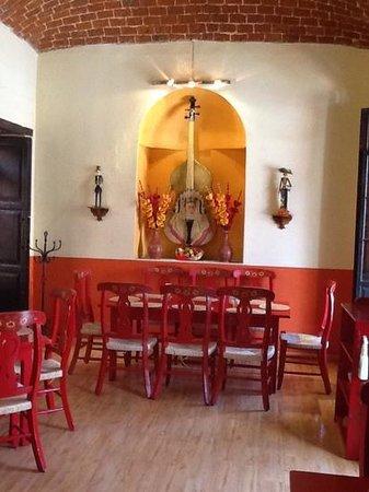 Mexico Lindo y Sabroso: salon principal
