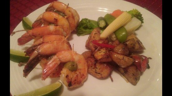 Luna Azul: The shrimp dishes are my personal favorite!