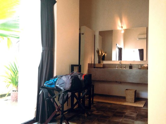Viroth's Villa : Open concept toilet