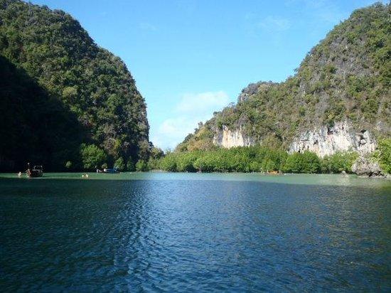 Phuket Sail Tours: Nearing the floating village