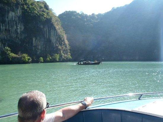 Phuket Sail Tours: Stunning scenery