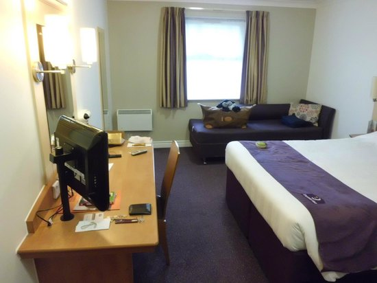 Premier Inn Dover (A20) Hotel : Big and airy.