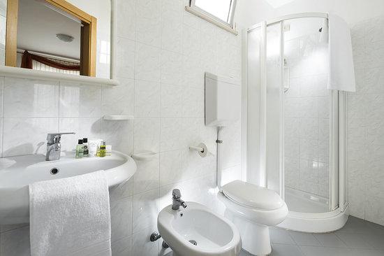 Capinera hotel rimini miramare prezzi 2018 e recensioni - Bagno hoasy tirrenia prezzi ...