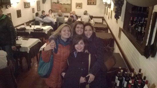 Ristorante Alessio : io scatto la foto al locale con le mie amiche
