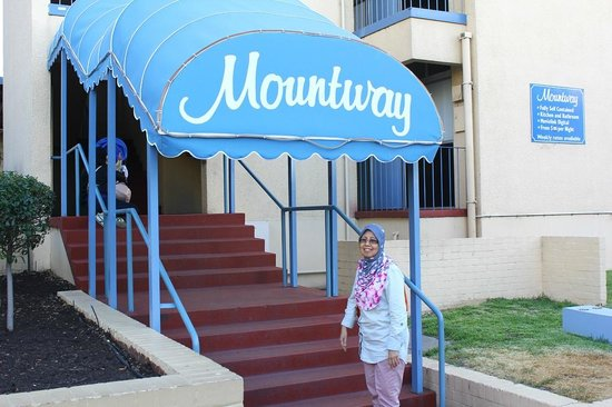 Mountway Holiday Apartments: The entrance of Mountway Apartments