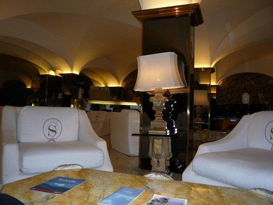 Hotel Shangri La Corsetti: salone