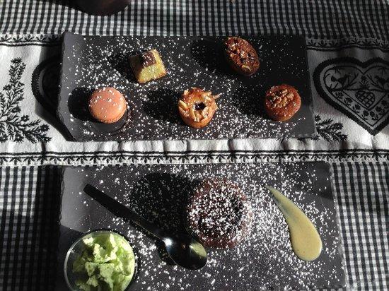 Le Bellevarde Restaurant : Macarons, crumble de chocolat et plein de bonnes choses