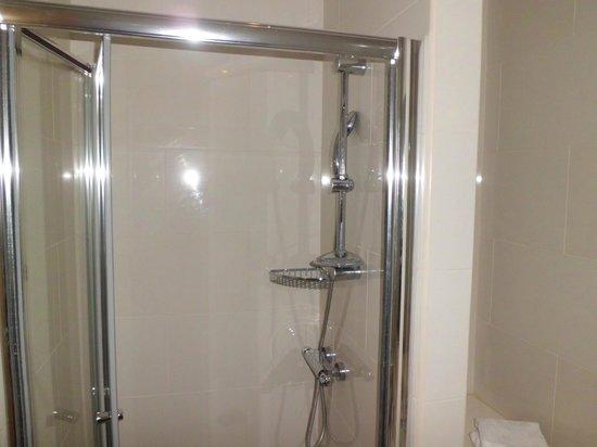 Ruskin Hotel: Great shower