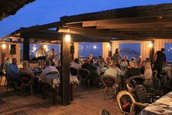 Crusoes beach bar: Music Night With Mark & Ronny