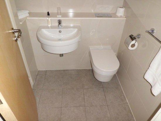 Ruskin Hotel: Bathroom