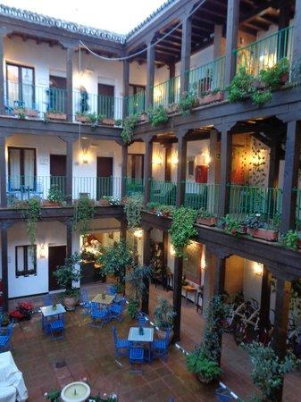 El Rey Moro Hotel Boutique Sevilla: Courtyard