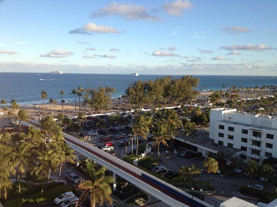 Bahia Mar Fort Lauderdale Beach - a Doubletree by Hilton Hotel: Views off our slider