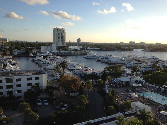 Bahia Mar Fort Lauderdale Beach - a Doubletree by Hilton Hotel : Views off our slider