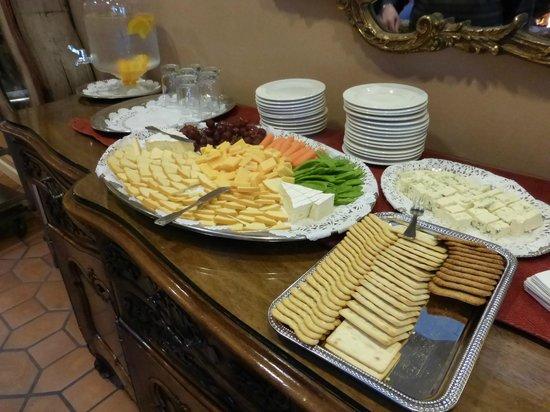 Spindrift Inn : Evening hors d'oeuvres