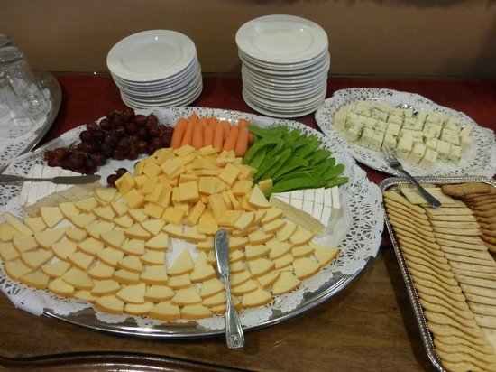 Spindrift Inn : Yummy evening snacks 4:30 to 6:00