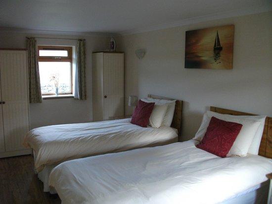 Clan Cottages: Bedroom 2