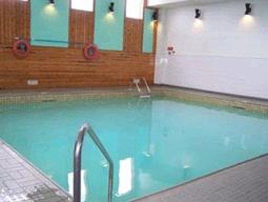 Confederation Inn : swimming pool